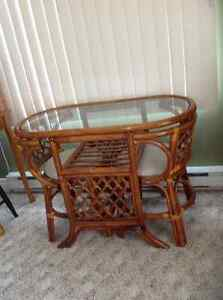 Rattan table set with 2 chairs