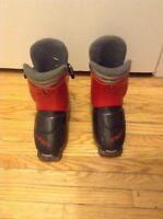 pair of alpine ski boots 185 501S T40