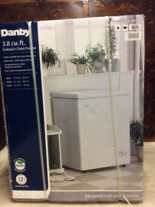 DANBY Chest Freezer  3.8 cu. ft   - White      ' NEW IN BOX '