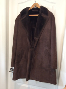 REDUCED SAWYER OF NAPA CALIFORNIA COAT/MADE IN CANADA SHEEPSKIN
