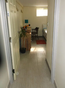 Room with private 4pc bath London Ontario image 2