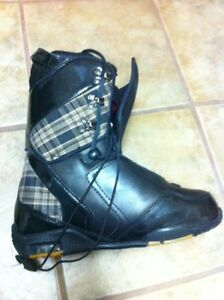 Flow snowboard boots size 9