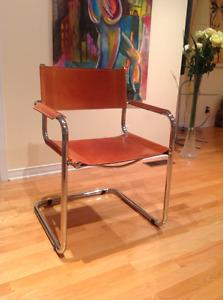Chaises (6) chaises de Cuir tres haut de gamme chrome $1100