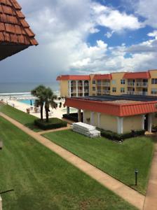 Condo sur la plage / Condo on the beach, New Smyrna, Florida