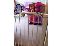 Lindam baby gate