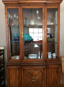 China Cabinet (with interior light)