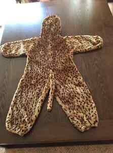 Cheetah costume size 2T Kitchener / Waterloo Kitchener Area image 2