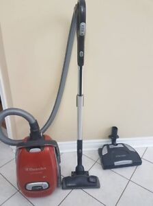 Electrolux Ultra One Vacuum Cleaner 2200W Z8871P