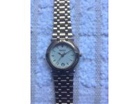 LADIES GUCCI GOLD PLATED 9200L WATCH