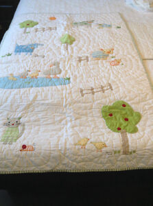 Farm theme baby quilt and bed skirt