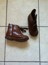 Boys size 11 brown boots
