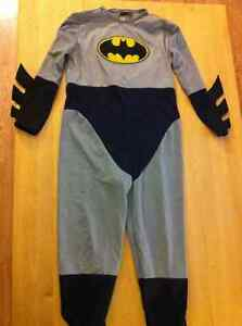 Batman Halloween Costume Size 5-6 (M)