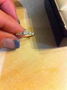 Gorgeous vintage white gold and diamond ring