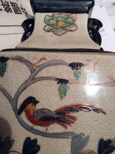 NEW HAND PAINTED PORCELAIN CHINESE VASE