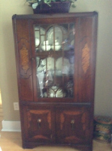 China cabinet and sideboard