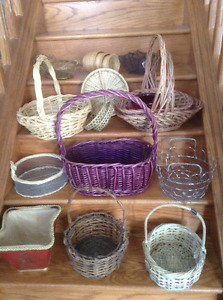 BASKETS, MOSTLY NEW, PRICE IS FOR ALL OF THEM