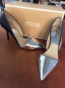 Micheal kors woman shoes size 10 M
