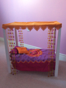Christmas is coming..American Girl Julie's Canopy Bed