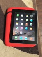 iPad 2nd gen 16gig black and silver 10/10 condition
