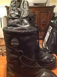 Snowmobile Boots....Like New! Stratford Kitchener Area image 1