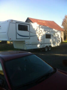 2001 cardinal fifth wheel camping trailer. 33 feet