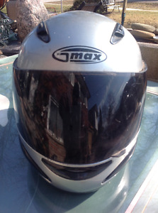 "G-Max Motorcycle Helmet Silver - size ""M"""