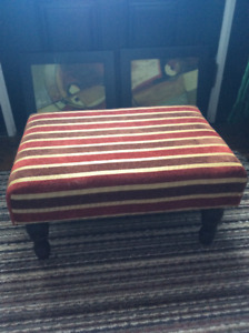 FOOTSTOOL WITH WOOD LEGS AND UPHOLSTERY FOOT STOOL