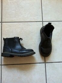 Boys size 13 chunky Chelsea boot