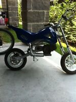 Mini moto cross 49.9 cc 200$nego.