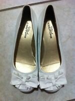 *BRAND NEW* White Flats with Ruffles & Bows