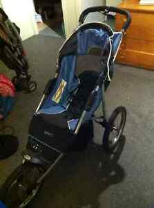 Poussette 3 roues baby jogger style chariot