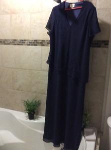 Ladies long dress size 22w -Midland
