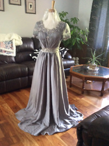 Fairy tale princess gown size 6 in silver gray