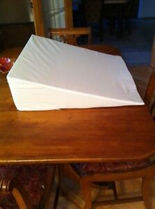 Small wedge pillow