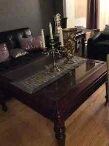 Bombay coffee table with two matching end tables