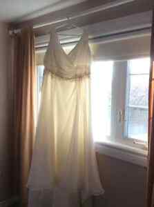 Ivory A-line Wedding gown Size 20 Cambridge Kitchener Area image 1