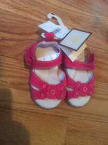 Brand new infant girls size 3 Baby Gap Sandles