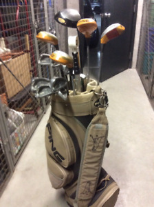 Men Right Hand Set of Ping Clubs