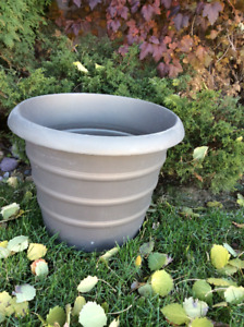 "NEW Huge STURDY Bronze/Brown Luster plant Pot 18""X14""H"