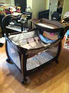 Buy or sell playpen swing saucers in gatineau baby for Chaise vibrante
