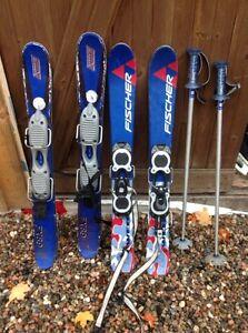 Ski,snowblades 90 cm, bottes et pôles