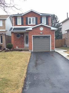 Beautiful Detached House For Rent in Brampton!! Great Location!!