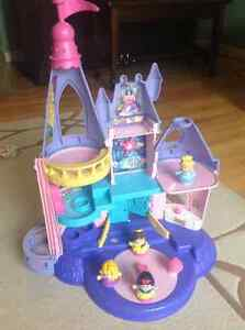 Disney princess little people songs palace by Fisher-Price Cornwall Ontario image 2