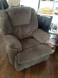 (2) electric recliners