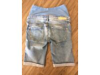 H&M maternity jean shorts size 8 worn once