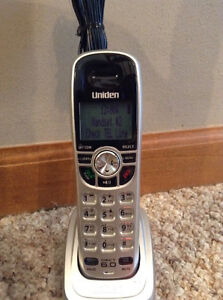 CORDLESS PHONE & ANSWERING SYSTEM DIGITAL DECT 6.0 UNIDEN Strathcona County Edmonton Area image 2