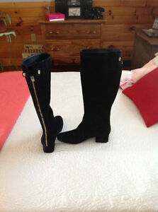 Black womens boots .