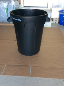20 Gallon Black Plastic Garbage Bin