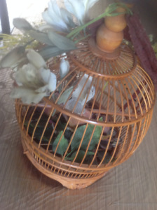 Cage decorative en bois