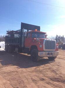 towing, loaders et truck a vendre